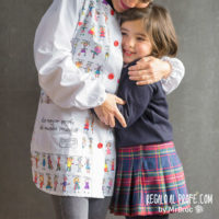 Bata personalizada con dibujos de niños para regalos profesores