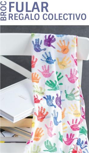 Fular personalizado con los nombres y las manos de los niños
